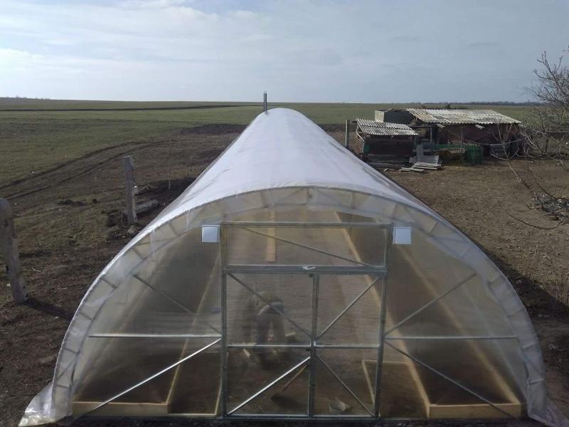 Теплица Урожай 6х30 под пленку двухслойная с автоматическим наддувом