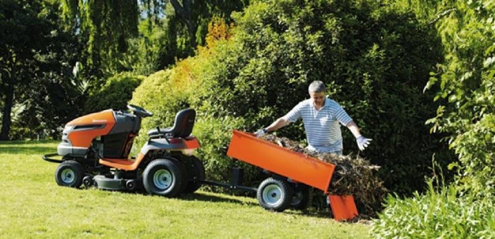 Маленький трактор для сада